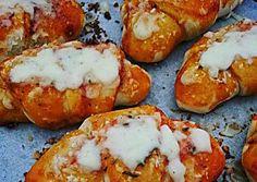 Cornetti brioche pizza ripieni di salame e provola