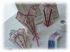 Etui à Ciseaux  Corset Crochet, Presentation, Gift Wrapping, Couture, Boutique, Gifts, Fashion Plates, Scissors, Creative Crafts