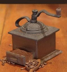 Caffeine Trivia ~ By the manual coffee grinder found its way to most upper middle class kitchens of the U. Antique Coffee Grinder, Manual Coffee Grinder, Coffee Grinders, Drinking Black Coffee, Coffee Drinks, Coffee Cups, Coffee Coffee, Coffee Talk, I Love Coffee