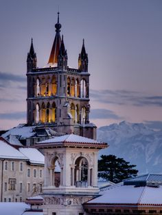 Bell Tower of Lausanne Cathedral, Switzerland Lausanne, Places To Travel, Travel Destinations, Places To Go, Holland, Voyage Europe, What A Wonderful World, Countries Of The World, Study Abroad