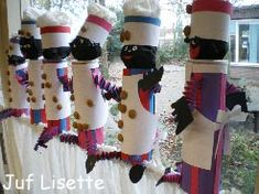 piet van pringleskoker This site is not in English but it has many fun craft ideas.