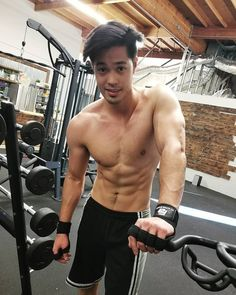 actor, ross butler, and shirtless resmi