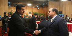 """Maduro: """"Julio te espero en Miraflores, yo soy el que firma el acuerdo"""" -  El Presidente Maduro ratificó este martes que tiene """"toda la disposición"""" para que el diálogo que se lleva a cabo con la oposición en República Dominicana se consolide. Reiteró la invitación para que los representantes de la coalición opositora acudan al Palacio de Miraflores: """"Quiero ratificar,... - https://notiespartano.com/2017/12/06/maduro-julio-te-espero-miraflores-firma-acuerdo/"""