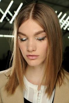 Chanel Fall 2013- backstage   tendencias cabello 2013 - fall 2013 hair trends
