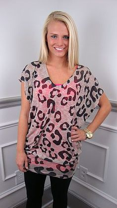 In this leopard print tunic, it's so easy to look good, even on days when you don't feel like doing anything!