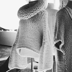 Knit Dreams from MitiMota - ilovemrmittens: Sleeves!!! Sorry not sure who...