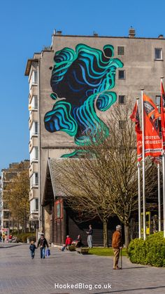 Now in it's third year the street art and contemporary festival The Crystal Ship is set to return to the coastal city of Ostend in Belgium. Grafitti Street, Murals Street Art, 3d Street Art, Amazing Street Art, Street Artists, Graffiti Artwork, Mural Wall Art, Graffiti Artists, Banksy