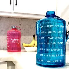HydroMATE Motivational Water Bottles Times Marked to Drink More Water Gallon Water Bottle, Water Bottles, Drinking Water Bottle, Vegetarian Recipes Easy, Healthy Recipes For Weight Loss, Healthy Protein Breakfast, Water Bottle Workout, Water Benefits, Clean Eating Meal Plan