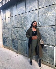 Discover recipes, home ideas, style inspiration and other ideas to try. Black Women Fashion, Look Fashion, Urban Fashion, Fashion Outfits, Womens Fashion, Fashion Trends, Latest Fashion, High Fashion, Winter Fashion