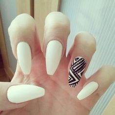 Pretty & Simple Nails
