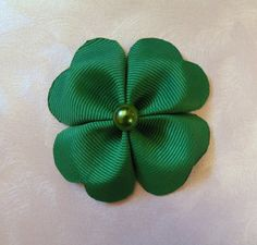 This is what I was talkinG abt a few weeks ago - sorry lol - Cute Shamrock bows @colleen skotnicki