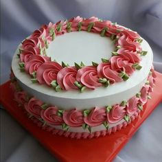 New Ideas For Cookies Decorated Flowers Sweets Cake Decorating Frosting, Cake Decorating Designs, Creative Cake Decorating, Cake Decorating Videos, Cake Decorating Techniques, Creative Cakes, Cake Designs, Cookie Decorating, Cupcakes Design