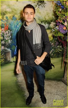 Douglas Booth : Mulberry Fashion Show