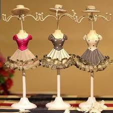 Resultado de imagen para como hacer una muñeca para colgar joyas