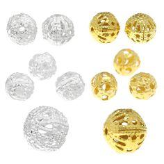 Entdecken Sie in dieser Kategorie Spacer in verschiedenen Farben und Größen. Beispielsweise Blümchen Zwischenperlen, Hohlperlen/Rahmenperlen, Kugel-Zwischenperlen, European Beads und Rohrzwischenperlen.