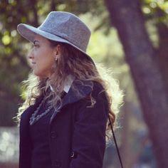 OOTD  Buscando un plan para esta tarde… ¿cuáles son los vuestros? #ideassoneventos #imagenpersonal #imagen #moda #ropa #looks #vestir #wearingtoday #hoyllevo #fashion #outfit #ootd #style #tendencias #fashionblogger #personalshopper #blogger #me #lookoftheday #streetstyle #outfitofday #blogsdemoda #instafashion #instastyle #currentlywearing #clothes #fashiondiaries