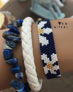 Mutlu Akşamlar ⚡️💫 Yeni model papatya bilekliklik🌼 Design✂️& Phot… Happy Evening ⚡️💫 New model daisy bracelet🌼 Design✂️ & Photo 📸 👇🏻 👉🏻Dm Miyuki ——————————————— that to to Umeda the to to # to I Sift # I to # Peyote Beading Patterns, Beaded Bracelet Patterns, Bead Loom Patterns, Loom Beading, Bracelet Designs, Seed Bead Jewelry, Beaded Jewelry, Handmade Jewelry, Bead Loom Designs