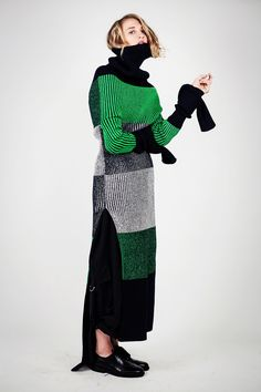The Darker Horse: Lacquered Block Stripes Knitwear Fashion, Knit Fashion, High Fashion, Womens Fashion, Ideas Bazar, Mode Costume, Looks Cool, Mode Inspiration, Knitting Designs