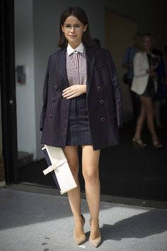 Checks and stripes! Street style New York Fashion Week primavera verano 2014 Nueva York Gran Manzana - Miroslava Duma Uk Fashion, New York Fashion, Skirt Fashion, Trendy Fashion, Fashion Outfits, Fashion Trends, Womens Fashion, Fashion Weeks, London Fashion
