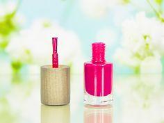 Vernis à ongles naturel et bio Boho Green Make-Up - Teinte Sari #beauté #YouTube #vidéo #blog #blogbeauté #blogueusebeauté #beauty #beautyblog #beautyblogger #bblogger #ongles #vernis #manucure #nails #nailpolish #nailpolishaddict #npa #naturel #bio #organic #greenmakeup #greenrevolution #boho #bohocosmetics #rose #framboise #sari #revue #test #avis #swatch http://mamzelleboom.com/2015/11/26/vernis-a-ongles-naturels-et-bio-boho-green-make-up-demeter-pivoine-sari-beach-party-revue-et-swatch/