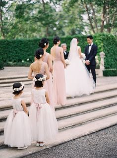 Elegant wedding ceremony idea; Featured photo: Kurt Boomer Photography