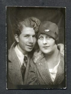 ** Vintage Photo Booth Picture **   Absolutely fabulous couple from the roaring 20's