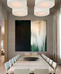 Moderna sala de jantar em tons neutro.