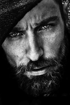 NodiMe: Thanks Sofia for your invitation to contribute at your great board :) Portrait - Close-Up - Beard - Black and White - Photography - Pose Idea Black And White Portraits, Black White Photos, Black And White Photography Portraits, Foto Face, Foto Picture, Foto Portrait, Men Portrait, The Face, Jolie Photo