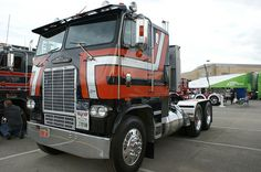 """Big Al's"" Freightliner with Generals at the 2012 MATS Paul K. Young Championships. #trucks #trucking #trucktires #GeneralTire #customtrucks"