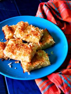 Learn to make Cocada de Forno, a sweet and irresistible Brazilian delicacy. Coconut Desserts, Coconut Recipes, Milk Recipes, Mexican Food Recipes, South American Dishes, Latin American Food, Manjar Blanco Recipe, Brazilian Dishes, Brazilian Recipes