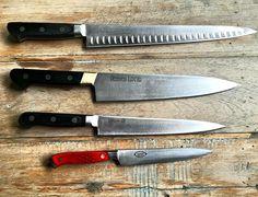 """Mi set de cuchillos de cabecera. El otro día me preguntaban en una nota """"cuál es la herramienta que más usás para trabajar?"""". La respuesta hubiera sido imposible hace unos años: los cuchillos y el Skype. Increíble no? #ShotonmyLumia #Lumia735 #FernandoTrocca #Cocinero @microsoftlumiaarg by ftrocca"""