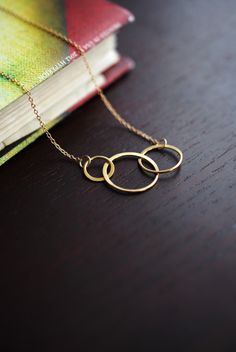 195 Gold Circle Linked Infinity Necklace in 24K Gold Vermeil - dainty minimalist jewelry by lustre. $31.00, via Etsy.