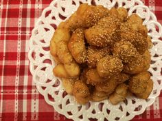 loukoumia-kritis (1) Greek Recipes, Almond, Ethnic Recipes, Food, Essen, Greek Food Recipes, Almond Joy, Meals, Yemek