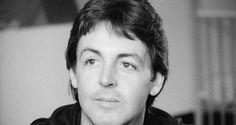 """Vous aimez les documents rares, les interviews ? Alors le 7 avril prochain, achetez le CD """"Paul McCartney: In the 80's """".  Ce CD d'une durée de 30 minutes présente des interviews de Paul, réalisées dans les années 80. #paulmccartney #mccartney #macca #inthe80s"""