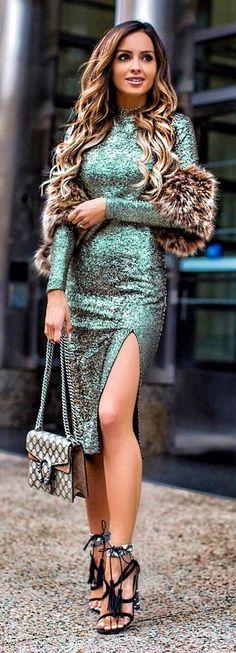 #winter #fashion / Green Sequins Dress / Checked Shoulder Bag / Black Fringe Sandals
