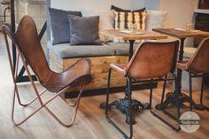 Black Coffee v Banskej Bystrici. Black Coffee, Coffee Shop, Dining Chairs, Furniture, Home Decor, Coffee Shops, Coffeehouse, Decoration Home, Room Decor