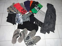 What to pack to travel the world Japan Trip, Japan Travel, What's In My Backpack, Travel The World For Free, What To Pack, Backpacking, Travel Tips, Men's Fashion, Moda Masculina