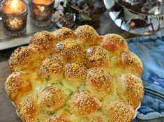 Sykt godt hvitløksbrød med ostebomber - Franciskas Vakre Verden Lunch Buffet, Cloud Bread, Cookie Pie, Baking Tips, Tapas, Food And Drink, Cooking Recipes, Snacks, Breakfast