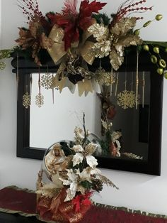 Consola navideña Mermaid Party Decorations, Christmas Decorations For The Home, Xmas Decorations, Holiday Decor, Christmas Nativity Scene, Christmas Candy, Christmas Wreaths, Christmas Crafts, Christmas Flower Arrangements