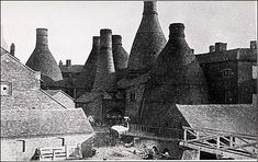 the last bottle kiln to be demolished at Copeland's Spode works - Stoke - 1960 Teapot Design, Pottery Workshop, Old Pottery, Les Themes, Stoke On Trent, Local History, Archaeology, Past, Old Things