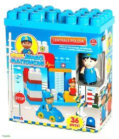 Costruzioni JUMBO CENTRALE POLIZIA mattoncini. Per bambine 3 anniPer i più piccoli costruzioni con i mattoncini JUMBO CENTRALE POLIZIA con Poliziotto, accessori e adesivi. I mattoncini JUMBO sono facili da incastrare e impilare. Si possono lavare molto facilmente.Per gli appassionati delle costruzioni.Dimensioni Scatola cm 24 x 12 x 28 hPezzi contenuti: 34Adatto per bambini di età superiore a 3 Anni.Marchio CE.