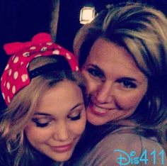 Olivia Holt with mom