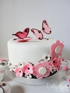 Beautiful Cake Pictures: Pink Butterflies & Buttons One Tiered Cake - Birthday Cake - Beautiful Cake Pictures, Beautiful Cakes, Amazing Cakes, Button Cake, Birthday Cakes For Women, Birthday Cake Girls, Pretty Cakes, Cute Cakes, Fondant Cakes