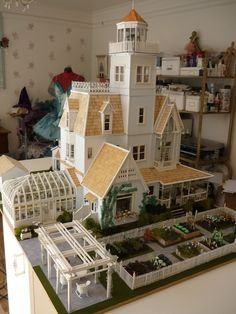 Doll House Miniatures / Practical Magic house made from scratch http://heatheraspinall.id.au/OwensHouse/index.html
