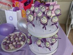 Baby Girl Cake Pops cup cake lining for bonnet cute!