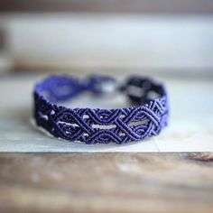 159 Likes, 2 Comments - Gyusang Kim Macrame Earrings, Macrame Jewelry, Macrame Bracelets, Bohemian Jewelry, Bracelet Crafts, Jewelry Crafts, Macrame Owl, Bijoux Diy, Bracelet Tutorial