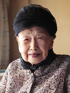 'Don't lose heart': Poet Toyo Shibata, who died Sunday at age 101, smiles at her home in Utsunomiya, Tochigi Prefecture, in July 2010. | MASAFUMI HIKITA / AFP-JIJI