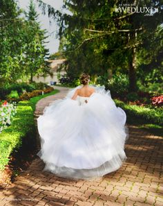 WedLuxe: stunning shot of a bride by Phototerra