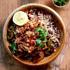 CHICKEN BURRITO BOWL WITH SALSA, BLACK BEANS & BROWN RICE. The happy Summer flavours of Mexico hit the perfect notes in this deliciously healthy burrito bowl... Lightly spiced Bannockburn free range chicken (as always), with a black beans and brown rice all topped with a super simple jalapeno and tomato salsa. So good! 30 Minutes. Free Range. Gluten Free. Sugar Free. Dairy Free