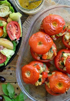 vegetarian stuffed tomatoes require few ingredients and are so delicious in the summertime when tomatoes, peppers and zucchini are at their peak. delicious full meal when accompanied by a vegan Niçoise salad.